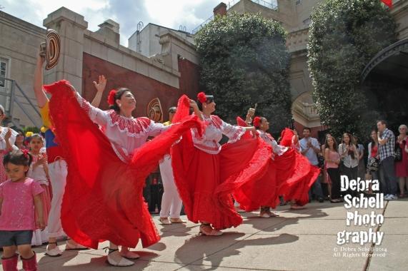Dancers at the Columbian Embassy